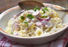 Laktató és változatos salátákkal simán jól lakhatunk, ha ezeket kínáljuk a sültek illetve rántott halak mellé - nem kell feltétlen sültkrumpliban vagy rizsben gondolkodni! Meat Recipes, Pasta Recipes, Real Food Recipes, Salad Recipes, Vegetarian Recipes, Cooking Recipes, Healthy Recipes, Cold Dishes, Tasty Dishes