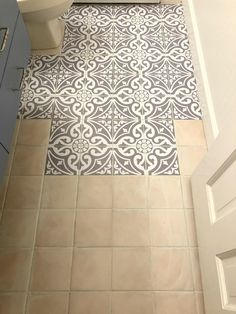 Updating the Bathroom Floor with Tile Stickers - Badezimmer - Painted floor tiles Home Renovation, Home Remodeling, Bathroom Renovations, Bathroom Makeovers, Bathroom Remodelling, Peel And Stick Floor, Stick On Tiles Floor, Sticky Tile Floor, Painting Tile Floors