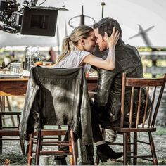 "Jennifer Morrison and Colin O'Donoghue - Behind the scenes. - 6 * 3 ""The Other Shoe"" credit to Vfxsup insta"