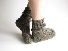 men's hand-knit wool socks - hand-spun un-dyed natural wool