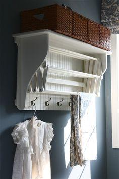 Expandable drying rack.