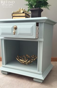 Vintage Thomasville Nightstand in Fusion Inglenook with Modern Masters Pure Gold Stenciled Drawer Sides