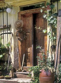 elegantly welcoming. Cool Doors, Arte Popular, Windows And Doors, Countryside, Tiny House, Entrance, Cottage, Outdoor Structures, Cabin