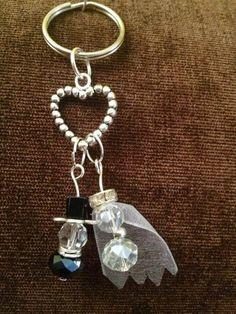 recuerdos para boda llavero precioso novios de cristal ideas temáticas