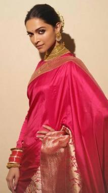 Stunning Deepika Padukone in sabhyasachi Indian Beauty Saree, Indian Sarees, Silk Sarees, Saris, Kerala Saree, Satin Saree, Indian Bridal Fashion, Asian Fashion, Women's Fashion