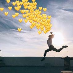 Foto Gif, Heart Meme, Bts Reactions, Kpop, Wholesome Memes, Love Memes, Bts Taehyung, Bts Memes, Wattpad