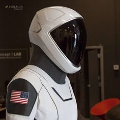 Nasa Spacex, Spacex Rocket, Spacex Dragon, Astronaut Helmet, Robot Technology, Suit Of Armor, Space And Astronomy, Space Program, Daft Punk