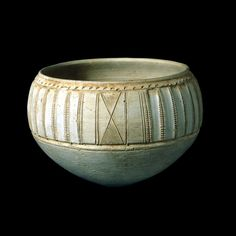 MESOPOTAMIA Pottery jar  From Mesopotamia Late Prehistoric period, about 3000-2500 BC