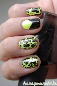 Gina Tricot Beauty - 74 Python green (on white underwear) IsaDora Graffiti Nails - 801 Black Tag - Black Nail Polish Designs, Nail Art Designs, Graffiti Nails, Crackle Nails, Yellow Nail Polish, Nail Art Photos, Glamour Nails, Gina Tricot, Disney Nails