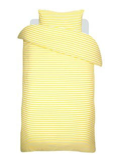 Marimekko Tasaraita duvet cover and pillow case, yellow-white Scandinavia Design, Scandinavian Living, Nordic Design, Marimekko, Bed Covers, Home Bedroom, Linen Bedding, Branding Design, Furniture Design