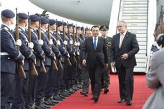 Invited by Angela Merkel who is the chancellor of Federal Republic of Germany, Premier Li keqiang are arrived the Bolin Tai Negar military airport in the afternoon on local time of October 9 in a special plane and began an official visit to Germany. Li keqiang and the delegation have attended the Hamburg Summit. China Federation of Industrial Economics president Li Yizhong, Zhengzhou Dingsheng Engineering Technology Co., Ltd. Chairman Lu Hongbo, Ltd.