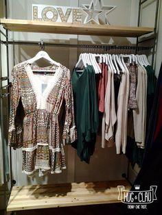Un nuevo día es una nueva oportunidad... ¡todo está en tus manos! Estampados vistosos, estilo boho-chic, tejidos patchwork... Así es nuestra nueva colección. Descúbrela al completo en nuestras tiendas de #Madrid, #Barcelona y #Bilbao. ¡Feliz comienzo de semana! Equipo #HugandClau #ootd #ropa #moda #mujer #fashionistas #fashiongram #estilo #style #GranVía2 #CCMaxCenter #CCIslazul #CCTresAguas #CCH2O