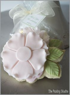 "Petal pink floral cookie favors celebrated at Rose Villa Restaurant » The Pastry Studio ""DARRELL- ""i attended a party this past week where the above cookie was passed out to each of the guests"""