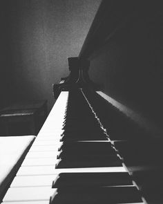 """""""The piano is a divinely inspired instrument, a mirror held up to its player's soul that captures the light and shadow of the performer and reflects them back to the listener."""" - David Lanz . . . . . #piano #pianomusic #instapiano #pianoforte #pianoplayer #pianoman #pianist #pianista #pianolover #pianolove #pianista #pianogirl #pianocover #pianos #pianobar #pianosolo #practicemakesprogress #practicenotperfection #musicblogger #musicblog #musicianlife #musiclove #musiclovers #musiclover…"""