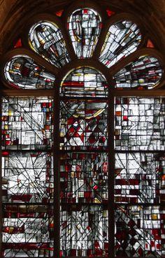 by Viera Da Silva Stained Glass Designs, Stained Glass Panels, Stained Glass Art, Mosaic Glass, L'art Du Vitrail, Art Alevel, Glass Installation, Saint Jacques, Art Abstrait