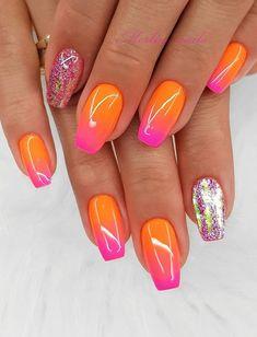 Beautiful Glittering Short Pink Nails Art Designs Idea For Summer And Spring - Lily Fashion Style Short Pink Nails, Nail Polish Crafts, Nail Art Designs Videos, Pink Nail Art, Pretty Nail Art, Gradient Nails, Acrylic Nail Designs, Natural Nails, Ongles
