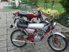 honda ss50 and honda dream 50, two of the most beautiful honda mini's ever made :) lovely