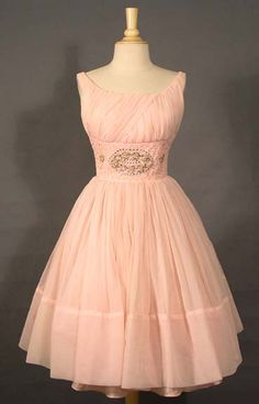 Beautiful 1950s dress