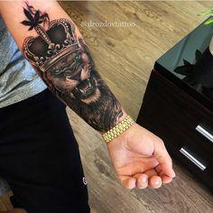 Hand tattoo by Hand tattoo by Related posts: – Typhaine Sentis – – Hand Tattoo – Fun Tattoos – # Tattoo 16 Crazy Hand Tattoo Ideas Hand Tattoos für Frauen: Schöne Hand Tattoo Designs Lion Forearm Tattoos, Lion Head Tattoos, Forarm Tattoos, King Tattoos, Dope Tattoos, Arm Tattoos For Guys, Body Art Tattoos, Tattoos For Women, Lion Hand Tattoo Men