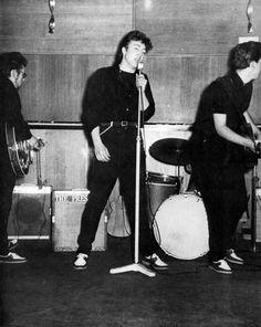 Stuart Sutcliffe, John Lennon and Paul McCartney, The Beatles Live, Les Beatles, John Lennon Beatles, Beatles Guitar, Beatles Band, Rock And Roll, Rock & Pop, Paul Mccartney, Great Bands