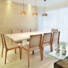 13 elegant dining ideas to make your meal the best time of the day! Kitchen Dinning, Dinning Table, Dining Area, Dining Chairs, Dinner Room, Elegant Dining, Luxury Interior, Decoration, Sweet Home
