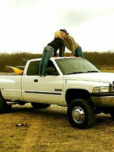 ideas for baby boy photo shoot ideas country girls Country Couple Pictures, Cute Country Couples, Country Girl Quotes, Cute Couples Photos, Cute N Country, Photo Couple, Cute Couple Pictures, Cute Couples Goals, Country Girls