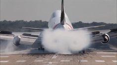 One of the hardest Boeing 747 landings I have ever seen. Video by me  #avgeek #avgeeks #avporn #aviationgeek #instapilot #airplane #megaplane #instaplane #instaaviation #instagramaviation #plane #planepics #pilots #planesdub #planespotting #spotter #pilot #avion #instaaviation #aviation #bertazertyplanes #air #aviation4u #emirates #boeing #b747