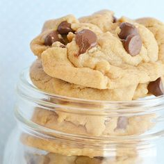 World's Best Peanut Butter Chocolate Chip Cookies ~ These cookies come out so soft and have a really great flavor and texture. Just enough peanut butter to chocolate ratio… Delish!