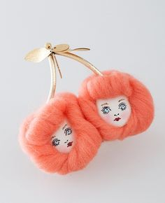 AHCAHCUM あちゃちゅむ あちゃちゅむムック Quirky Fashion, Animal Projects, Doll Parts, Jewelry Photography, Felt Fabric, Fabric Manipulation, Pretty Art, Halloween Crafts, Kitsch