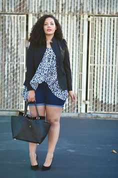 Girl With Curves: Cut-Offs, heels, blazer. Perfect summer outfit. Plus size