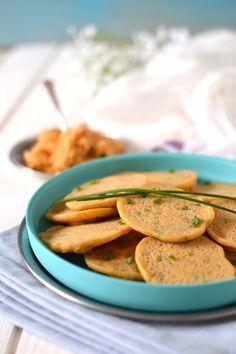 Testé et approuvé: Mini-pancakes apéritifs aux légumes et épices (j'ai mis paprika et coriandre lyophilisée au lieu du cumin et de la ciboulette)