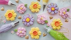 New cake decorating piping tips rose tutorial ideas Cupcakes Flores, Flower Cupcakes, Flower Cookies, Fun Cupcakes, Decorate Cupcakes, Frosting Flowers, Royal Icing Flowers, Fondant Flowers, Edible Flowers