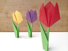 We LOVE Origami for Kids and it isn't as hard as it looks. You just have to select the right Easy Origami for Kids projects and off you go. Origami Ball, Tulip Origami, Origami Star Box, Origami Love, Origami Fish, Useful Origami, Origami Design, Origami Paper, Paper Flowers For Kids