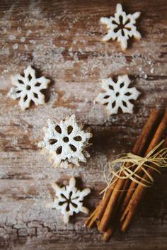 Spelt Cinnamon Snowflake Cookies. .