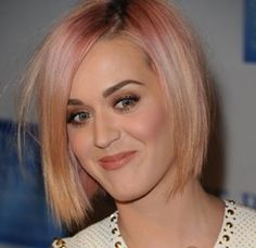 30 Most Popular Short Hairstyles for Women The 30 Most Popular Short Hairstyles for Women This season has just begun and when you look at the latest fashion trend that has taken the worl. Blonde Bob Hairstyles, Choppy Bob Hairstyles, Hairstyles Men, Medium Hairstyles, Braided Hairstyles, Popular Short Hairstyles, Summer Hairstyles, Katy Perry, Blonde Bob With Bangs