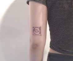 record player minimal tattoo cute More Browse through over 7,500+ high quality unique tattoo designs from the world's best tattoo artists!