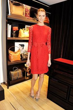 Jacquetta Wheeler in red lace Stylish Clothes, Stylish Outfits, Models Off Duty, Red Lace, Lace Dress, Fashion Inspiration, Dresses With Sleeves, Street Style, Amazing