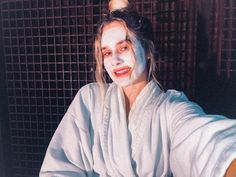 Beauty blog: Easy at home face masks! #beautyproducts #beautyblog #beautytips #beautyhacks #beautyskincare #skincare #skincareroutine #skincaretips Diy Mask, Diy Face Mask, Face Masks, Tumeric And Honey, Green Tea And Honey, At Home Face Mask, Get Rid Of Blackheads, Dead Skin, Skin Care Tips