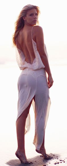 Backless maxi...sexy boho chic ☮ F-ing EPIC. MUST HAVE
