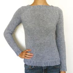 Classic Sweater pattern. I love the cute neckline and how it's perfectly fitted! Cute! Easy Crochet, Crochet Crafts, Crochet Tops, Knit Crochet, Crochet Projects, Free Crochet Sweater Patterns, Crochet Jumper Free Pattern, Vintage Crochet Patterns, Jumper Patterns