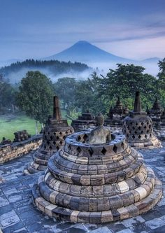 #Borobudur - #Buddhist_Temple in #Indonesia http://directrooms.com/indonesia/hotels/magelang-hotels/price1.htm