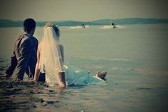 Trash the dress, beach wedding