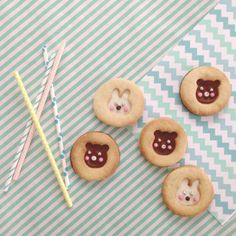 rabbit and bear cookies made by www.mikodesign.blogspot.com