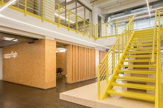 bruzkus batek razorfish office space berlin designboom