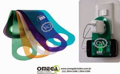 Blog Omega: Suporte Carregar Celular Portátil Para Parede Toma... Mais Mais Corporate Giveaways, Corporate Gifts, Swag Ideas, Packing Jewelry, Work Gifts, Work Party, Goodie Bags, Promotion, Baby Store