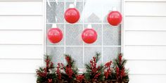 You'll Love These DIY Christmas Window Decorations for Your Whole Home Large Christmas Decorations, Gold Christmas Tree, Decorating With Christmas Lights, Christmas Porch, Diy Christmas Ornaments, Tree Decorations, Christmas Ideas, Holiday Ideas, Christmas Windows