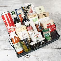 The Trattoria Ditalia Gift Basket is the perfect way to make a big impression with 19 specialty items made by our favorite artisanal producers!