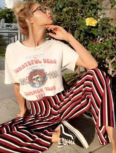 Mission du printemps : réussir à se dénicher un vrai tee-shirt vintage !