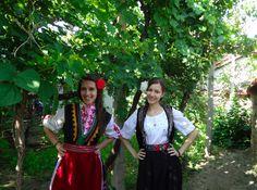 Kalina & Betty 伝統を守っているブルガリアの若い女性たち