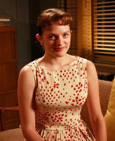 Elisabeth Moss was attracted to 'Mad Men' because of her character's Peggy Olson Don Draper, Betty Draper, Elisabeth Moss, Men Fashion Photo, Mad Men Fashion, Vintage Fashion, Vintage Clothing, Vintage Dresses, Mad Men Peggy